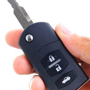 Autoschlüssel in Hand