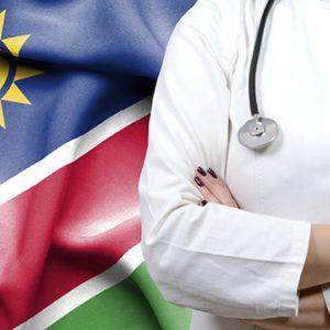 Ärztin vor Flagge Namibia