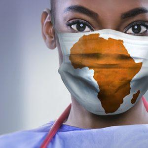 Frau mit Mundschutz Afrika